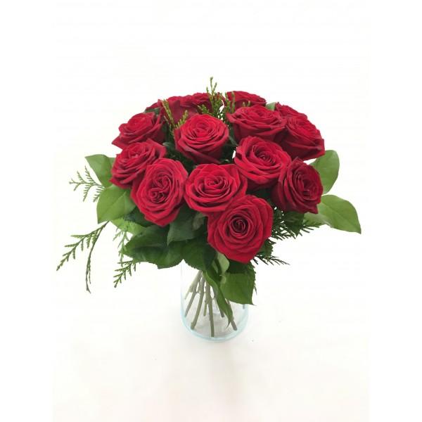 Bouquet 12,15 o 18 rosas rojas cortas