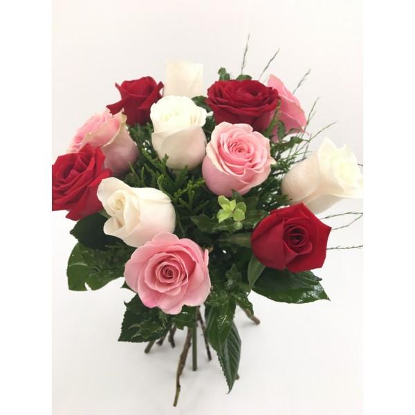 Bouquet 12,15 o 18 rosas multicolor cortas