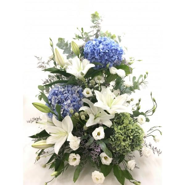 Centro de flor de temporada (hortensias)